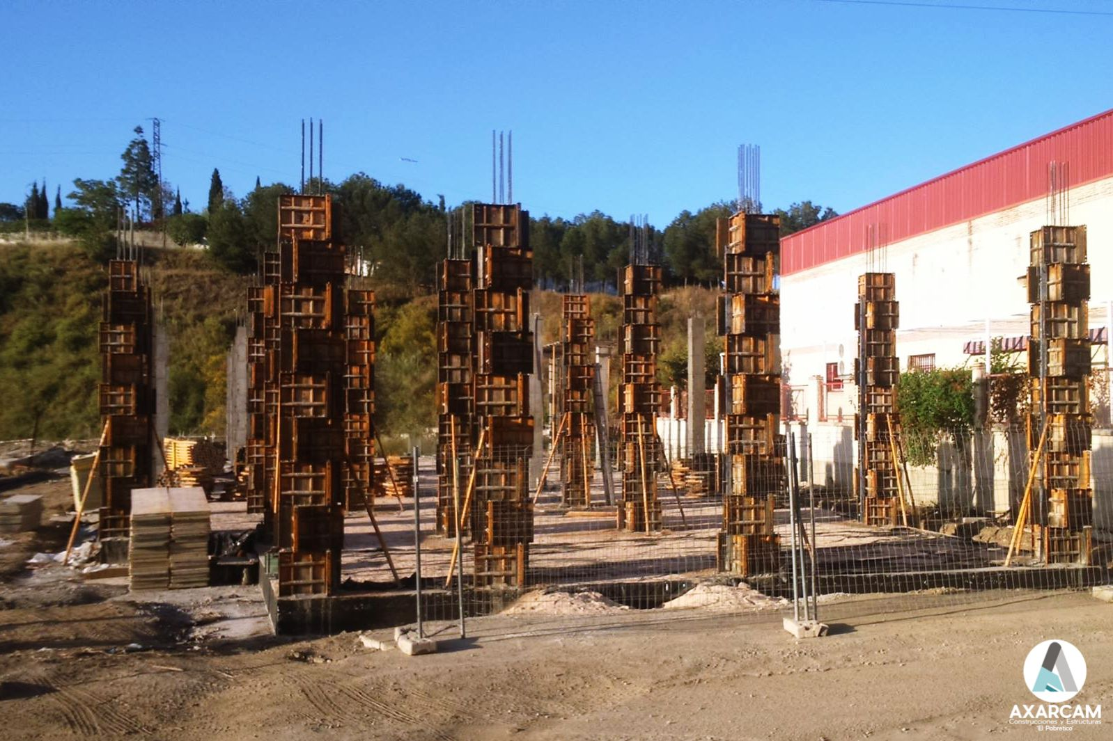 Pilares estructura nave industrial