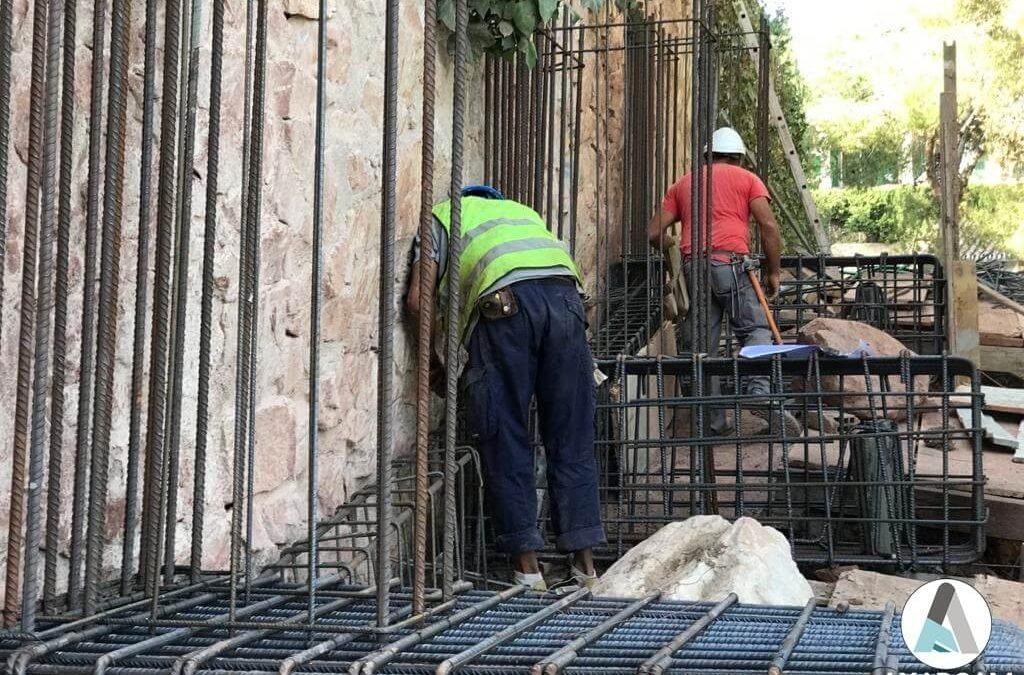 Refuerzo de muro en Cerrado de Calderón (Málaga)
